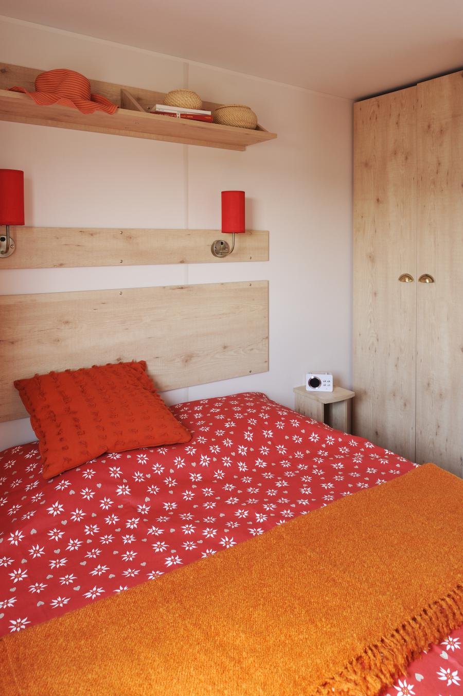 locations roulottes camping des p cheurs jura 39. Black Bedroom Furniture Sets. Home Design Ideas